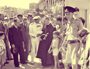 MalDia-03-07-04-21-The-King-visiting-Malta-to-inspect-the-horrendous-war-damage.