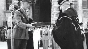 MalDia-10-07-04-21-The-official-GC-presentation-by-the-British-Governor-General-in-1942