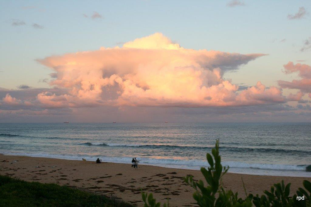 SHELLY-BEACH-AT-SUNSET