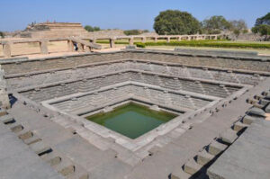 6-The-Stepped-Tank-in-the-Royal-Enclosure