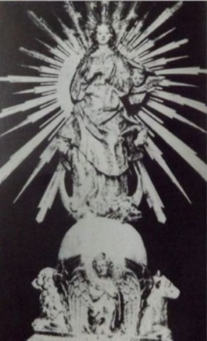 MalDia-04-19-05-21-Her-sculpture-of-the-Immaculate-Conception