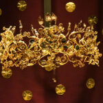 1-Gold-wreath-found-in-the-tomb-of-Alexander-IV-the-son-of-Alexander-the-Great-