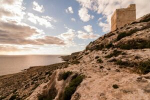 MalDia-07-21-07-21-Cliffs-and-a-watch-tower-picture-by-Alex-Turnbull