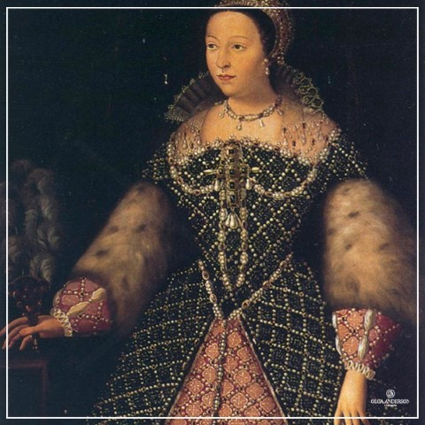 2.-The-Corset_Catherine-de_-Medici-Queen-of-France-from-1547-to-1559
