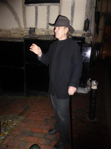 Lewes ghosts & Isabella 069 (Small)