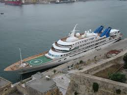 MalDia 03 (21-01-15) Prince Abdulaziz of Saudi Arabia is the owner of this super yacht