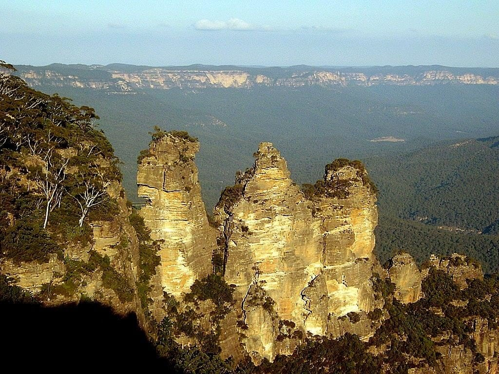 BLUE MOUNTAINS SISTERS