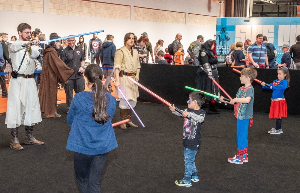 Pic Silver Sabres light sabre training in action