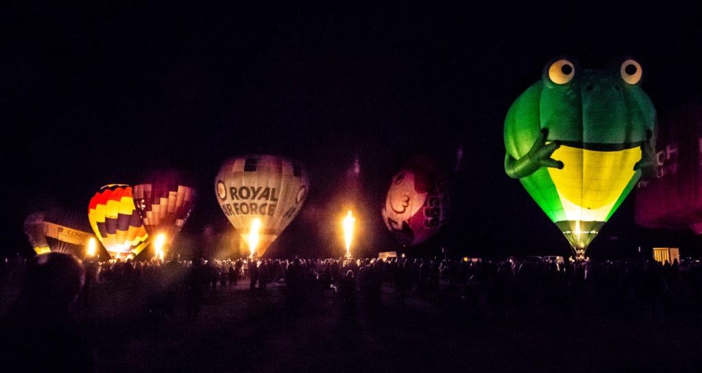Pic Beautiful hot air balloons at the Midlands Air Festival
