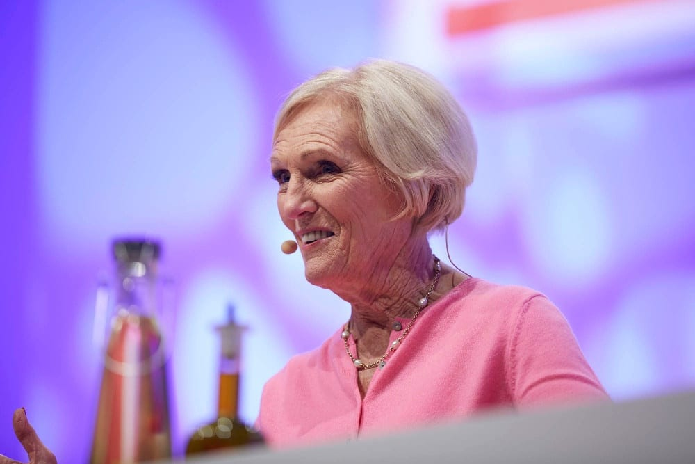 Pic Mary Berry will be cooking live